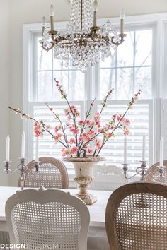 You can keep it simple when adding romantic decor to your home. These super easy and quick kitchen decor ideas will help you celebrate love and romance. French Farmhouse Decor, French Country House, French Decor, French Country Decorating, Feng Shui, Architecture Design, Country Interior Design, Country Interiors, Home Staging Tips
