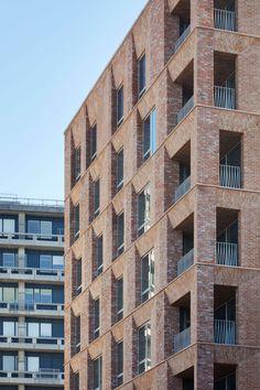 Morris + Company > Belle Vue senior residence . london | HIC Arquitectura Brick Building, Building Exterior, Building Design, Brick Architecture, Urban Architecture, Duggan Morris, High Rise Apartments, Brick Detail, Brick And Wood