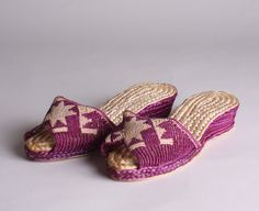 50s Woven Straw Sandals  Vintage 1950s Japanese by NullifyAnew