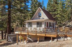 Gorgeous Tiny House in Big Bear, Kalifornien zu verkaufen Tiny House Talk, Small Tiny House, Small House Design, Tiny Houses, Small Homes, Big Bear California, California Homes, Big Bear Cabin, Small Cabin Plans