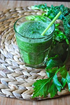 All Green Kale Smoothie - Smoothie tout vert au chou kale