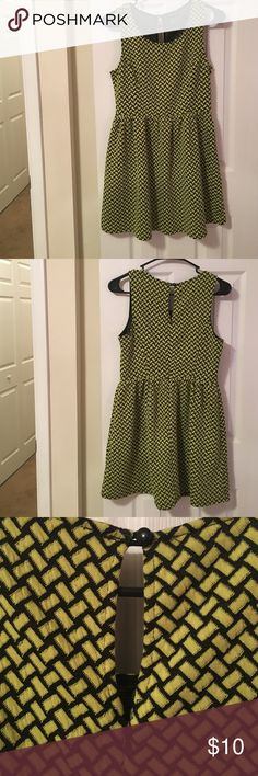 Forever 21 Dress This super cute and bright dress will make you stand out this Summer while keeping you cool and comfortable at the same time! Great for barbecues, graduation parties, weddings, and more! In great condition! Forever 21 Dresses Mini