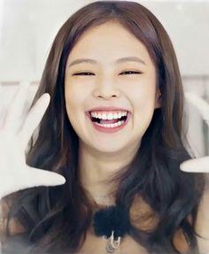 World Icon, Smile Wallpaper, Jennie Kim Blackpink, Blackpink Photos, Only Girl, Her Smile, Beautiful Smile, K Pop, Cute Babies