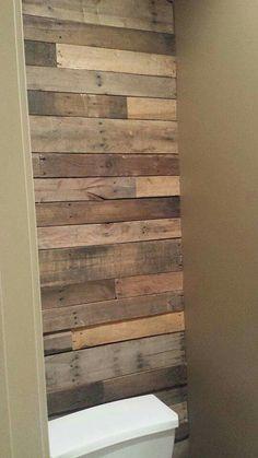 Pallet bathroom wall