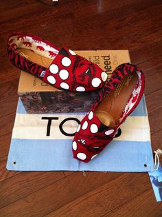 Arkansas Razorback Custom TOMS by LousCustomDesigns on Etsy, $128.84