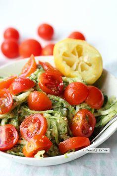 Veganske squashnudler med avokadopesto - den bedste frokost!