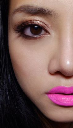 Bronze Eyes and Hot Pink Lips  http://makeupbox.tumblr.com/post/13824658016/copper-lined-eyes-with-electric-pink-lips-there-is