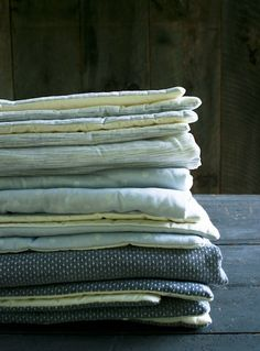 With holiday party season right around the corner, it's nice to have a few tried and true hostess gift ideas in your crafty toolbox, and lap duvets are the perfect cozy and customizable project!