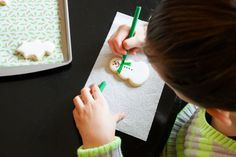 Easy Christmas Cookie Decorating with Kids from bridget edwards {bake at 350}  Ree Drummond | The Pioneer Woman
