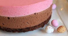 Raati antoi tälle kakulle täydet pisteet ja kakku katosikin parempiin suihin alta aikayksikön. Suklaamousse on superpehmeää ja vadelma puole...