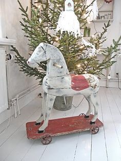primitive wooden horse - in simpler days of Christmas Past. Christmas Past, All Things Christmas, Winter Christmas, Christmas Crafts, Christmas Decorations, Father Christmas, Primitive Christmas, Country Christmas, Vintage Christmas