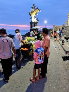Early evening at Pantai Pererenan (pantai means beach). Grilling corn.