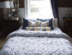 Do I have the patience to make this beautiful kissing pleat duvet cover? I hope so!