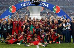 Portugal players and staffs celebrate after their win against France in the UEFA EURO 2016 Final match between Portugal and France at Stade de France on July 2016 in Paris, France. Uefa Euro 2016, Portugal Team, Portugal Soccer, Photo Portugal, Paul Pogba, Antoine Griezmann, Fifa, Portugal Euro 2016, Benfica Wallpaper