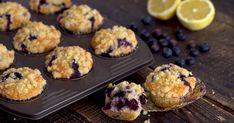 Recept na jednoduché čučoriedkové muffiny, ktoré sú krehké a jemné ako pavučinka. Nenáročný recept vhodný aj pre začiatočníkov v kuchyni. Dezert, koláč Muffin, Breakfast, Food, Basket, Morning Coffee, Essen, Muffins, Meals, Cupcakes