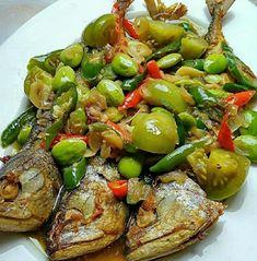 Fish Recipes, Asian Recipes, Fun Cooking, Cooking Recipes, Sambal Recipe, Food Bouquet, Vegetarian Recipes, Healthy Recipes, Malaysian Food