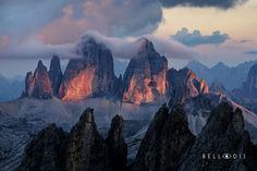 https://flic.kr/p/Qs6zTB   160972  Sunset lights on the Tre Cime di Lavaredo