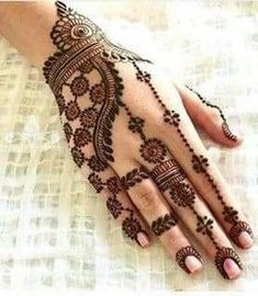 Explore latest Mehndi Designs images in 2019 on Happy Shappy. Mehendi design is also known as the heena design or henna patterns worldwide. We are here with the best mehndi designs images from worldwide. Dulhan Mehndi Designs, Arte Mehndi, Mehndi Designs For Girls, Stylish Mehndi Designs, Mehndi Designs For Beginners, Mehndi Design Pictures, Wedding Mehndi Designs, Beautiful Mehndi Design, Latest Mehndi Designs