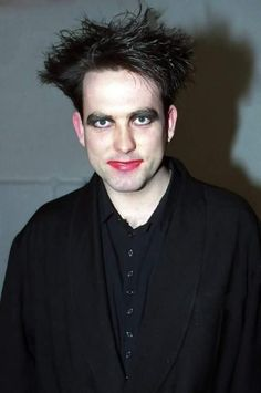 The Cure . Robert Smith Musician, Chain Of Flowers, What About Bob, Robert Smith The Cure, Siouxsie & The Banshees, Alternative Rock Bands, Star Wars, Album Releases, Post Punk