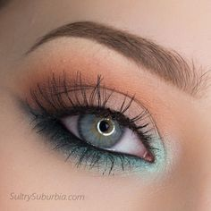 'Mint Lower Wing' look perfect for St. Patrick's Day! This look is by SultrySuburbia using Makeup Geek's Peach Smoothie, Frappe, and Mirage eyeshadows along with Sweet Dreams pigment.