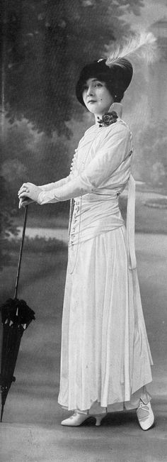 Ensemble by Jenny, Les Modes July 1914. Photo by Félix.