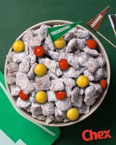 Game Day Tip: Make a team colors DIY Muddy Buddies bar and let guests rep their team pride with the color of candies they choose. Tap the link to make it with our new Double Peanut Butter Muddy Buddies recipe! Chex Mix, Snack Recipes, Dessert Recipes, Desserts, Oreo Dessert, Super Bowl Essen, Dessert For Dinner, Quick Dessert, Chewy Sugar Cookies