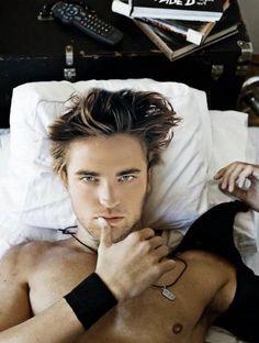 Rob Pattinson screw you twilight haters :)