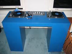 sweet dj booth #djculture #djgear http://www.pinterest.com/TheHitman14/dj-culture-vinyl-fantasy/