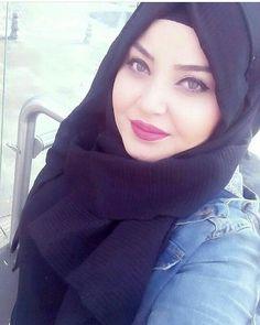 Hijabi Girl, Girl Hijab, Muslim Beauty, Beautiful Muslim Women, New Fashion, Womens Fashion, Hijab Dress, Muslim Girls, Beautiful Eyes