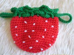 いちごのミニ巾着です。こま編みでざくざく編めちゃいます。 ★材料、道具★極太毛糸(アクリル…