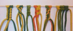 Makramee-tekniikka ja avinmenperän sekä rannekorun ohjeet | Punomo Textiles, Sisal, Paracord, Clothes Hanger, Friendship Bracelets, Needlework, Embroidery, Diy, Jewelry