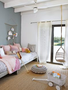 Sweet, simple, chic kids room! Live the double ling bed for siblings or sleepovers!
