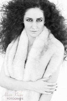 Inzending C.A. NEWCOMER OF THE YEAR #2014 Model: Maureen Hoekstra Muah: Max Groote  Fotografie: Aileen Kleine  www.aileenkleine.nl