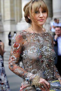 Easy Fashion: High Fashion Chanel Lady - FW - Paris