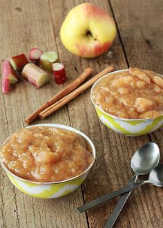 Cinnamon rhubarb applesauce Perfect for Rhubarb season (leave out the sugar, apples are sweet enough. Fruit Recipes, Apple Recipes, Dessert Recipes, Drink Recipes, Canning Recipes, Healthy Snacks, Healthy Nutrition, Healthy Eating, The Best