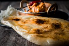 Calling Naan Bread the king of Indian Flat Breads may be controversial, but in my opinion the light fluffy naan is the finest mopping up device for a wet curry! Homemade Curry, Indian Flat Bread, India Food, Indian Curry, Naan, Breads, Easy Meals, Soups, Pancakes