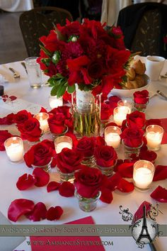 red roses and candles, elegant wedding decor, Wisconsin Wedding photographers, Scott and Cathy Erickson