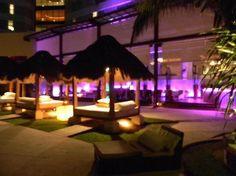 ME Cancun: Rose Bar