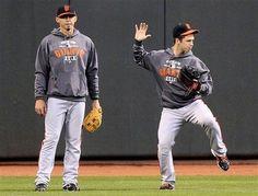 Eli & Buster (is he dancing? San Fran Giants, My Giants, Giants Baseball, Baseball Pants, San Francisco Giants, Baseball Memes, Hockey, Go Busters, Buster Posey