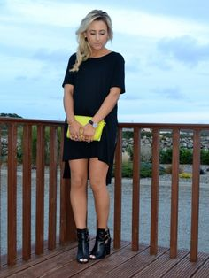 Oversized Tee & Leather | Look What I'm Wearing