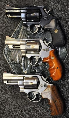 Survival Gadgets, Survival Tools, Survival Knife, Camping Gadgets, Smith And Wesson Revolvers, Smith N Wesson, Bushcraft Skills, Bushcraft Gear, 357 Magnum
