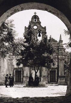 speciesbarocus: Arkadi Monastery, Crete Photo by Nelly's. Greece Pictures, Old Pictures, Old Photos, Vintage Photos, Rethymno Crete, Crete Island, Greek History, Crete Greece, Old Maps