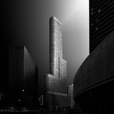 PotD: March 13 2016 Title: The Trump Photographer: Dennis Ramos Trump tower in Downtown Chicago Illinois USA. by officialfstoppers Photography Essentials, City Photography, Trump Photo, Black And White City, Trump Tower, Architecture Photo, Building Architecture, Modern Architecture, Willis Tower