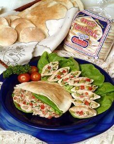 Pan árabe con relleno de atún - SaborGourmet.com