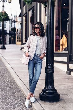 Casual outfit - cropped jeans, white leather slippers + pink bomber jacket