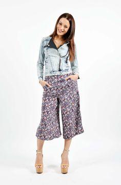 Flower Print Παντελόνα Boutique Stores, Flower Prints, Pants, Fashion, Trouser Pants, Moda, Floral Patterns, Fashion Styles, Clothing Boutiques