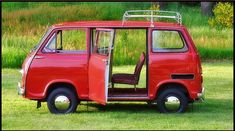 """Stanley"" The 1970 Subaru Sambar 360 Van Classic Japanese Cars, Classic Cars, Suzuki Carry, Subaru Cars, Subaru Vehicles, Miniature Cars, Old Pickup, Red Vans, Cute Cars"