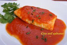 Con mil sabores: LOMOS DE MERLUZA CON SALSA DE PIMIENTOS ROJOS