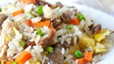 This is a quick and easy way to enjoy stir-fried rice with pork and vegetables at home.