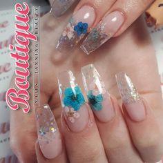glass nails with glitter Nude Nails, Glitter Nails, Acrylic Nails, Toenail Art Designs, Cute Nail Designs, Encapsulated Nails, Flower Nail Art, Nail Envy, Toe Nail Art